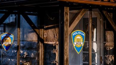 "Photo of Gospić: Pijani vozač bježao policiji vozeći na felgama, ""napuhao"" je 2,63 promila"