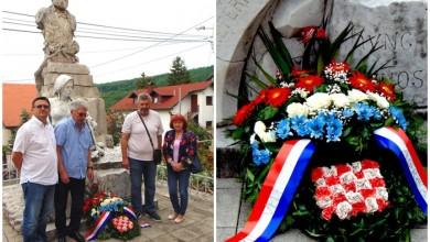 "Photo of FOTO Članovi Udruge Ličana ""Vila Velebita"" iz Zagreba položili vijence na grob Ante Starčevića"