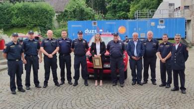 Photo of FOTO Ličko-senjski vatrogasci preuzeli još 5 novih vatrogasnih pick up vozila