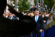 """Photo of Milanović o Srebrenici: """"Tragedija se produbljuje brojnim pokušajima negiranja ovog strašnog pokolja"""""""