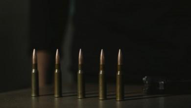 Photo of Uhićen 55-godišnjak koji je prijetio i pucao, policija mu u kući našla još gomilu oružja