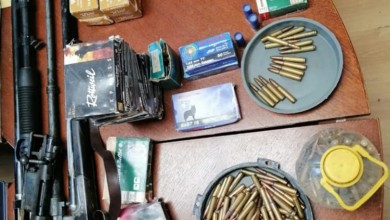 Photo of Brinje: Prijetio i nedozvoljeno posjedovao puške i preko 1200 komada streljiva