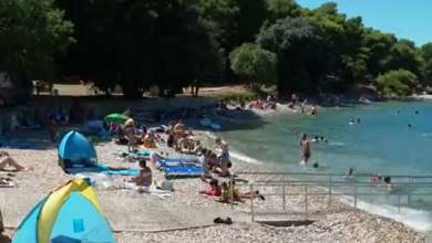 Photo of VIDEO  Potraga otkriva kojim se trikovima služe pedofili koji na plažama snimaju djecu i kako im i sami roditelji nesvjesno pomažu