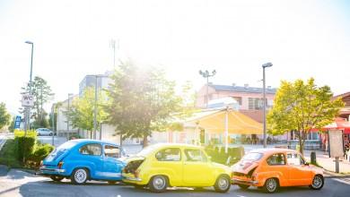 Photo of FOTO Povijesna vozila donijela pozitivnu energiju u centar Otočca, ovako je to izgledalo na ulicama