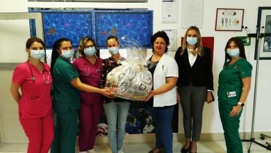 Photo of DND Gospić u tradicionalnom posjetu Dječjem odjelu gospićke bolnice