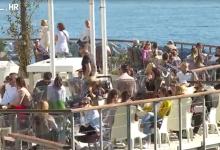 Photo of VIDEO U Hrvatskoj i dalje oko 90 tisuća turista! Svatko može naći nešto za sebe, od berbe mandarina na Neretvi do slavonskih destinacija